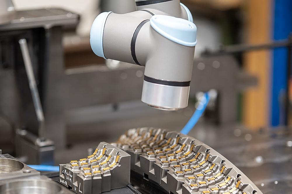Mevert Roboter helfen bei der Automation